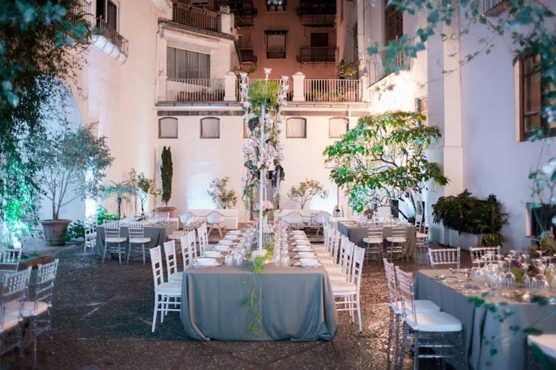 Mobiliario bodas en </br> <b>Palacio Malferit</b> </br> Valencia