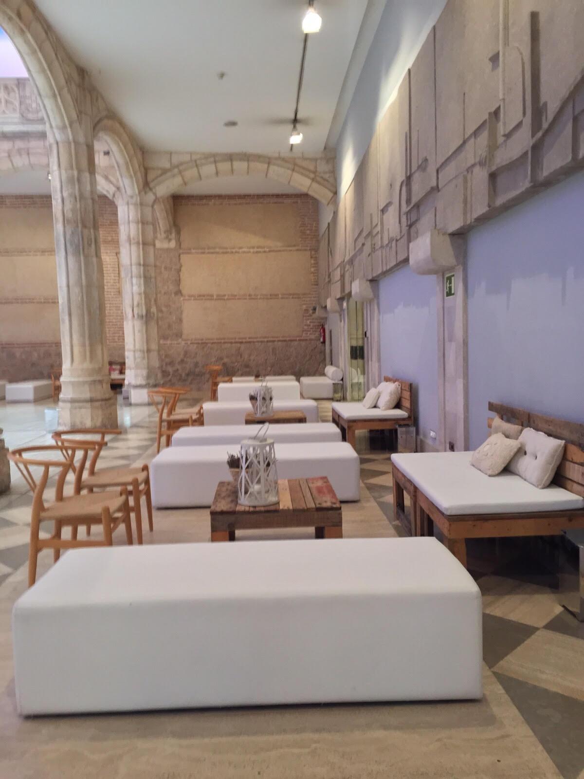 Mobiliario eventos en </br> <b> Edificio del Reloj </b> </br> Burgos
