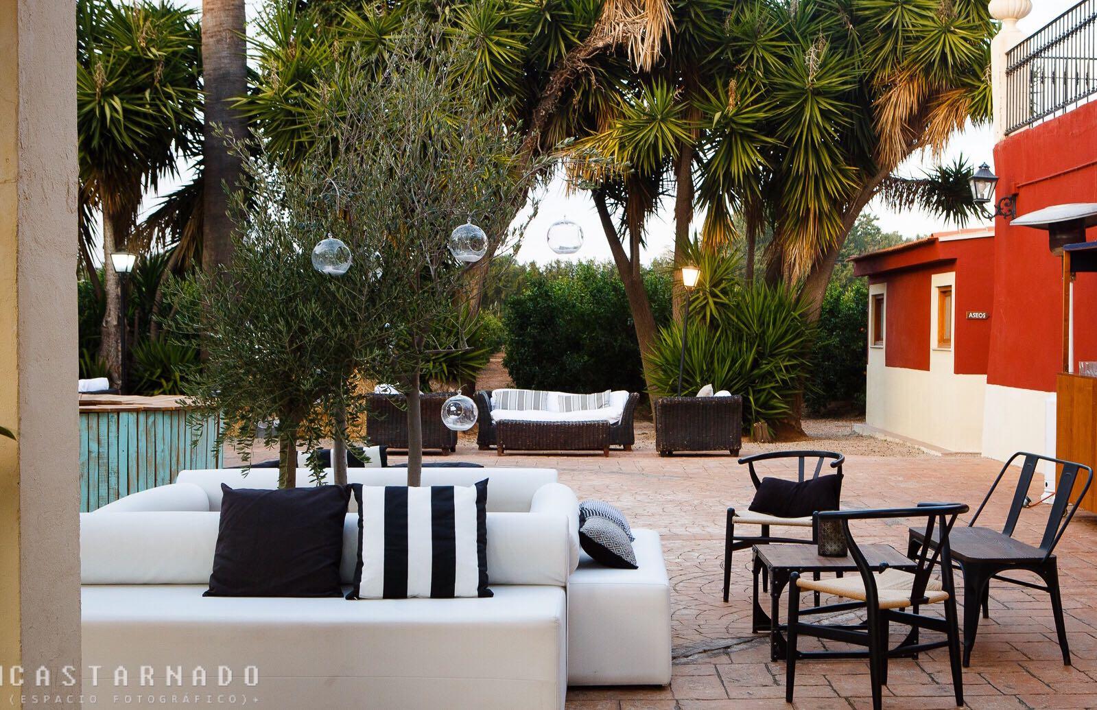 Mobiliario bodas en </br> <b>Huerto Barral </b> </br> Valencia
