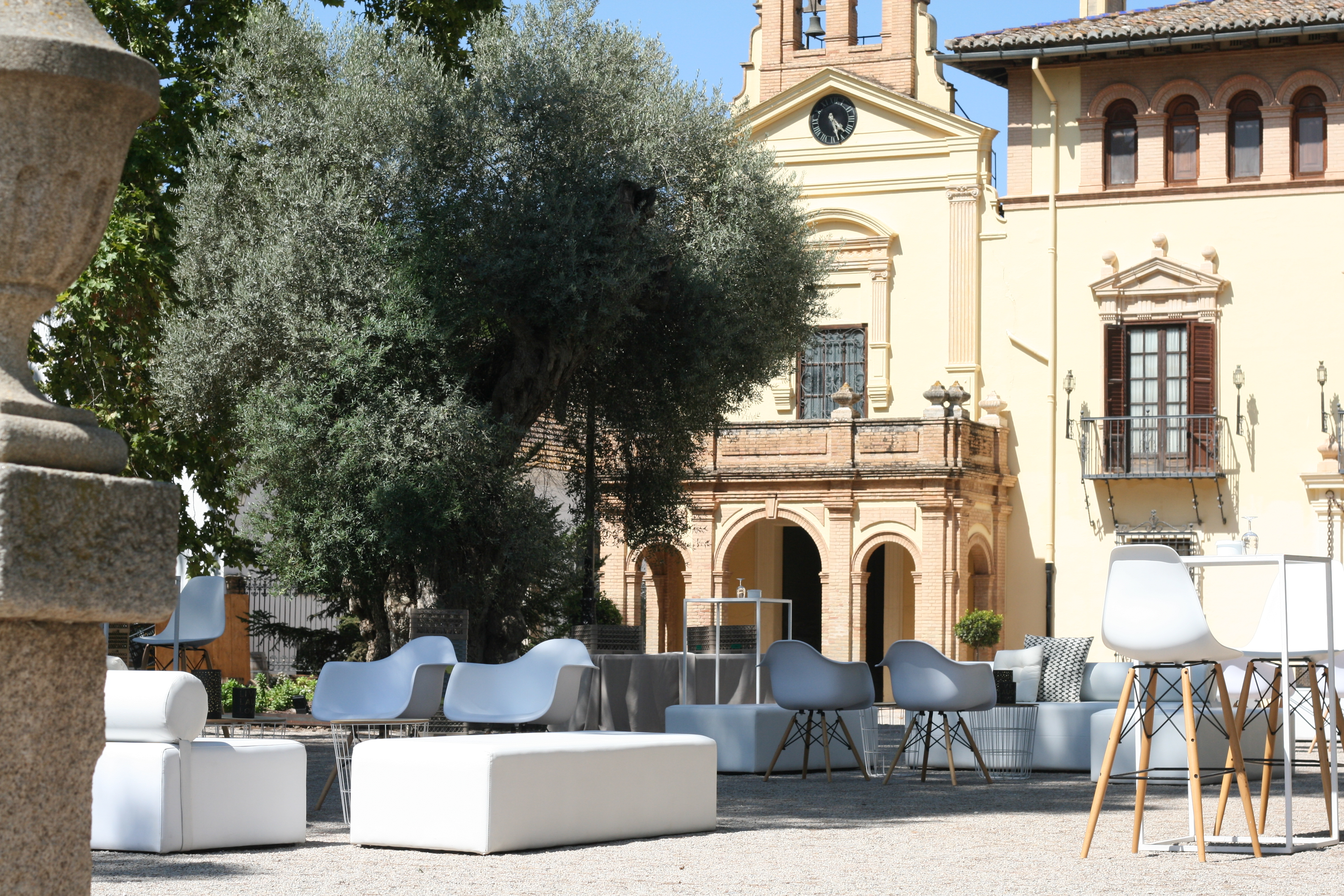Mobiliario bodas en </br> <b> La Vallesa de Mandor </b> </br> Valencia