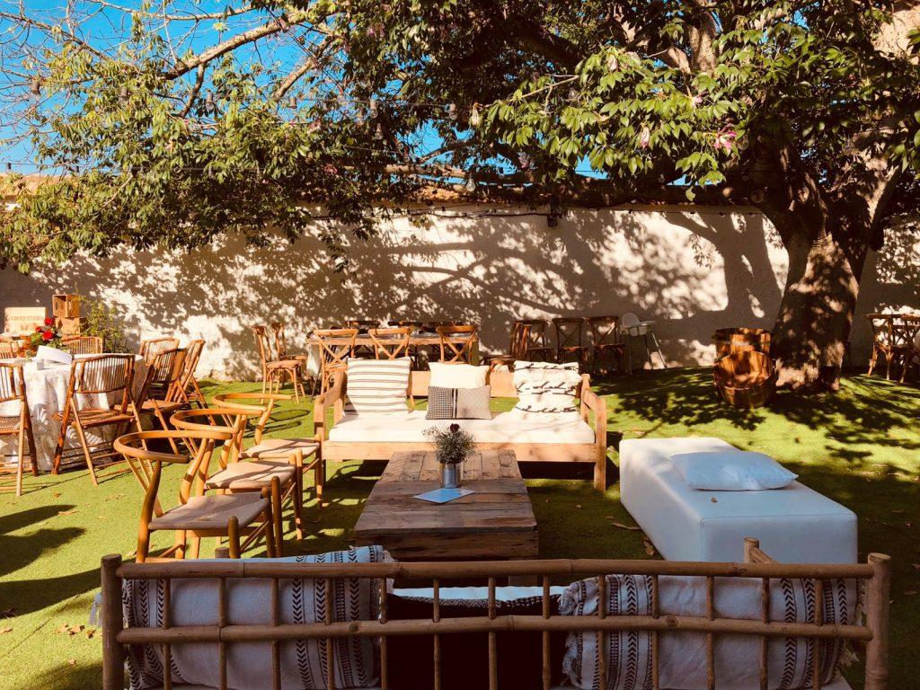Mobiliario bodas en </br> <b> Huerto del Médico </b> </br> Valencia
